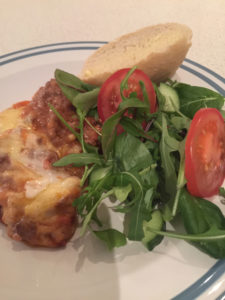 lasagne-med-brod-og-salat_charlotte-avseth